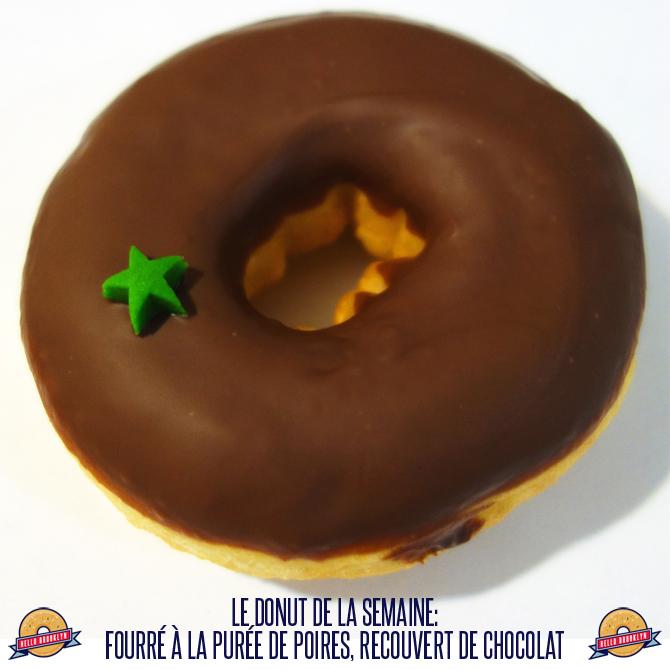 Le donut de la semaine: fourré à la purée de poires, recouvert de chocolat.